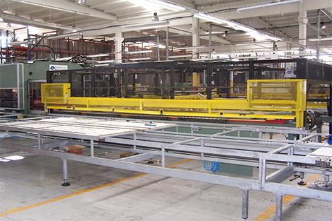Przeniesienie linii wykrajania wraz z prasą z zakładu Lear Corporation Jarosław – Polska do zakładu Lear Corporation Tanger – Maroko.